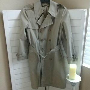 London Fog trench coat w/o lining Sz 40 reg
